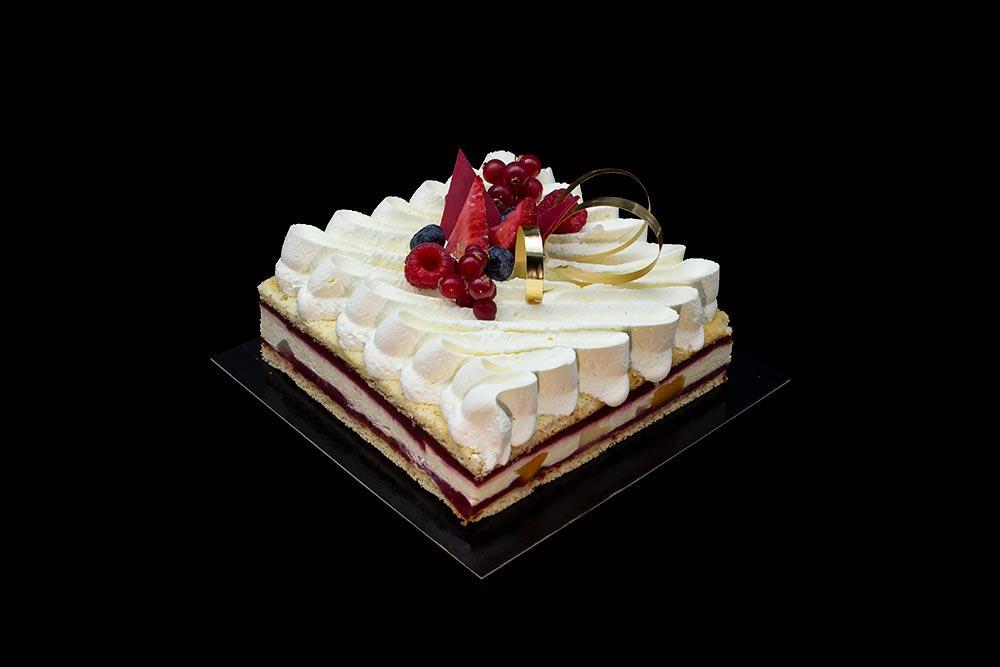 patisserie-estivale-fruits-rouges-chocolat-blanc